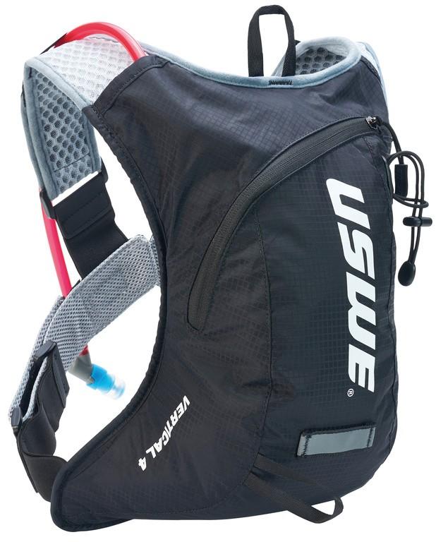 Nápojový ruksak USWE Vertical 4 Plus,carbon cerná
