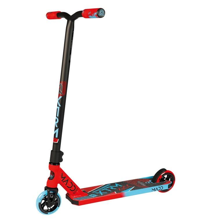 Kolobežka Madd Kick Extreme, cervená/modrá kolecka 110mm