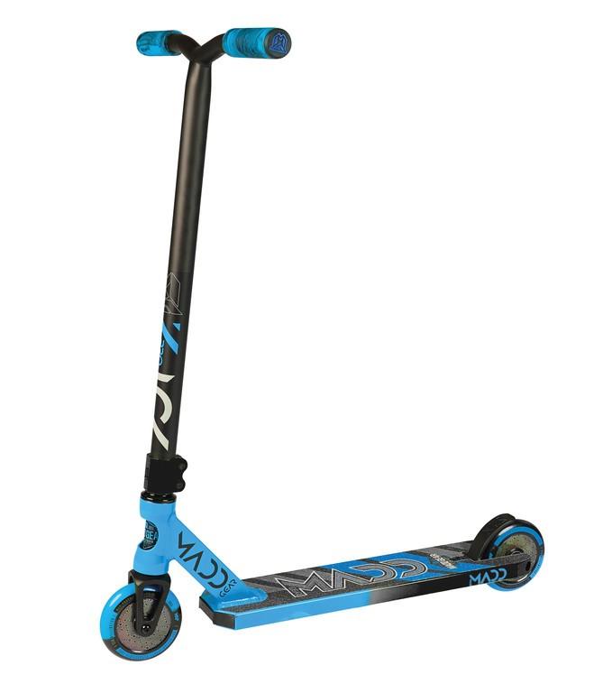 Kolobežka Madd Kick Pro, modrá/cerná kolecka 110mm